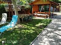 Zahradní houpačka - Klášterec nad Ohří