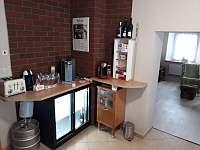 jídelna + bar - chalupa ubytování Kovářská