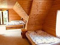 velká ložnice - chalupa k pronájmu Kovářská