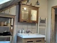 apartman patro-koupelna - k pronájmu Bublava