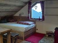 apartman patro-pokoj s kuchyni