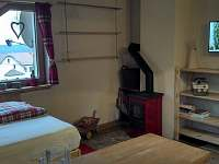 apartman patro-pokoj s kuchyni - k pronájmu Bublava