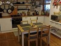 Kuchyn v prizemi - apartmán k pronájmu Bublava