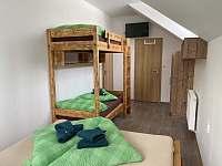 Čtyřlůžkový pokoj 2 patro - chata k pronájmu Loučná pod Klínovcem