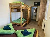 Čtyřlůžkový pokoj první patro - chata ubytování Loučná pod Klínovcem
