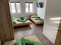 Pětilůžkový pokoj první patro - chata ubytování Loučná pod Klínovcem