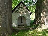 Chata U Permoníka Mariánská - kaplička -