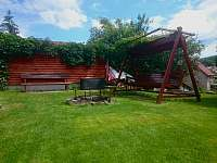 DŮM POD SEDLEM - zahrada s ohništěm - rekreační dům k pronajmutí Ústí nad Labem