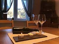 možnost zakoupení výborných místních vín z oblasti Velké Žernoseky - rekreační dům k pronájmu Ústí nad Labem