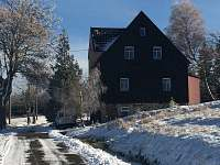 dům ze silnice - chata ubytování Kovářská