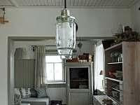jídelna/obývací pokoj - chata k pronajmutí Kovářská