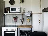 kuchyně - chata k pronájmu Kovářská