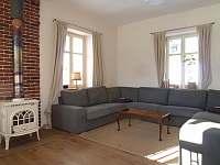 Obývací pokoj - chalupa k pronajmutí Abertamy