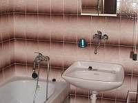 Koupelna - chata k pronájmu Pernink