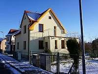 Chaty a chalupy Lesík v rodinném domě na horách - Hroznětín