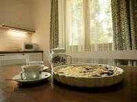 jídelní posezení - rekreační dům ubytování Hroznětín