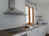 kuchyně - rekreační dům k pronájmu Hroznětín