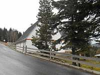 příjezd k ubytování Gerhard - ubytování Klíny - Rašov