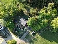 pohled z dronu 2 - chata k pronajmutí Jáchymov - Mariánská