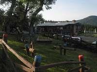 dětské hřiště 50 m chaty - k pronajmutí Klíny