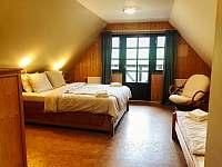 Podkrovní pokoj s balkónem - Horní Blatná