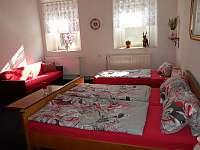 pokoj 2  (5 osob) - chalupa ubytování Hora Svatého Šebestiána