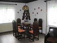 Jídelní kout - chata k pronájmu Bublava
