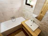 koupelna 2 - chata ubytování Mariánská