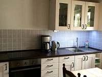 kuchyň - chata k pronajmutí Mariánská