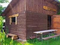 zastřešené sezení a venkovní posezení - chata k pronájmu Abertamy