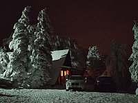 dojet k chatě a parkovat je možno i v zimě. - Horní Krupka