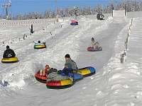 Snowtubing Novako 200 m - pronájem chaty Boží Dar
