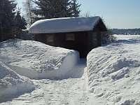 Zahrada v zimě - chata k pronájmu Boží Dar