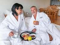 Snídaně v posteli - ubytování Boží Dar