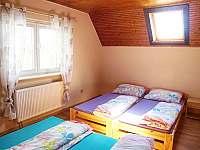 2. ložnice v patře - pronájem chalupy Kovářská