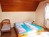 2. ložnice v patře s postýlkou - Kovářská