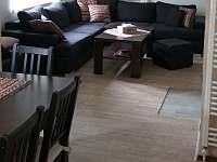 obývací prostor - chata ubytování Kovářská