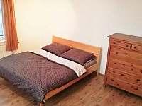 Druhá ložnice s palandou a pěti lůžky - chata k pronajmutí Mikulov v Krušných horách