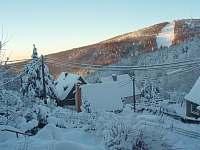 Pohled ze zahrady - chata k pronájmu Mikulov v Krušných horách