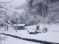 Okolí domu v zimě