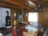 obývak s pohledem do verandy