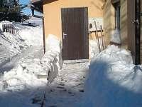 vstup do domu - chalupa k pronájmu Měděnec