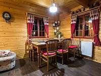 Jídelní stůl - chalupa ubytování Háj u Jindřichovic
