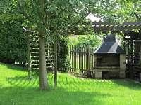 Zahradní krb - rekreační dům k pronájmu Tisá