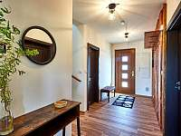 Velký apartmán - chodba - chalupa k pronajmutí Abertamy