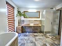 Velký apartmán - koupelna - pronájem chalupy Abertamy