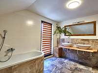 Velký apartmán - koupelna - chalupa k pronájmu Abertamy