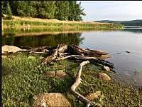 Kolem přehrady Fláje je celá řada úžasných výletních tras. - Klíny
