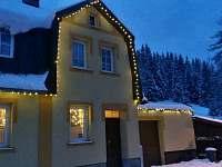 Zimní pohled - chata k pronájmu Nové Hamry