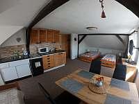 Apartmán č.2 - 2.NP-pokoj s kuchyní - ubytování Nová Role